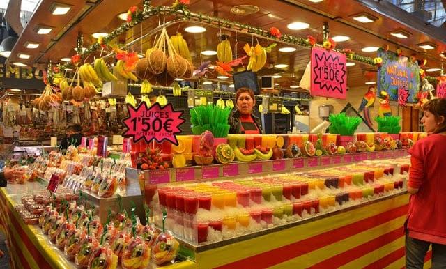 Mercado de la Boqueria - Puesto de frutas y dulces