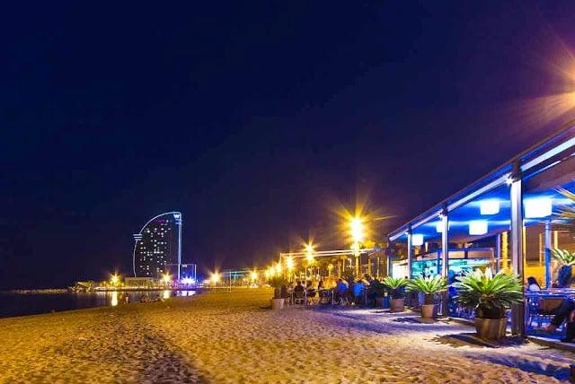 Bares en la playa de Barcelona - Barceloneta