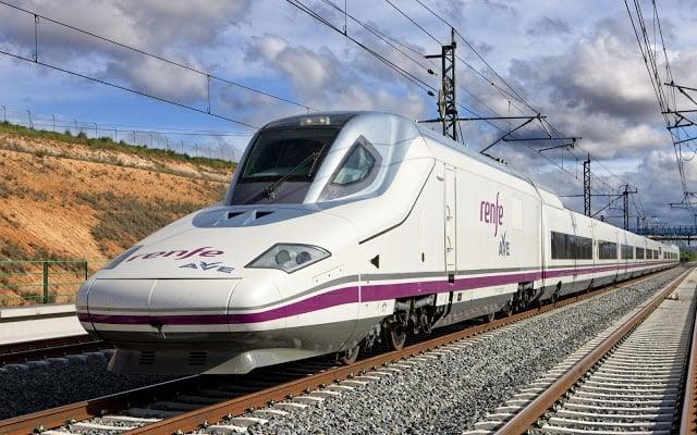 Cómo ahorrar viajando en tren por España