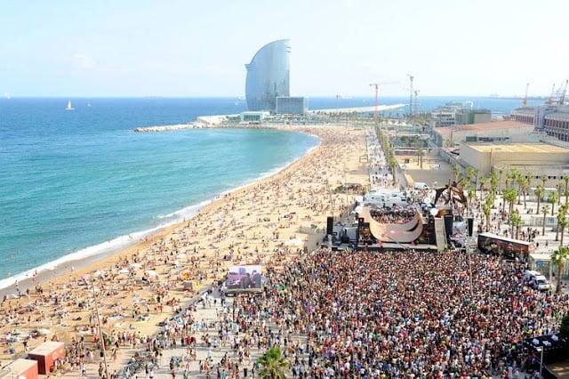 Playa Sant Sebastià en Barcelona