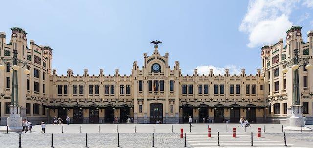 Viaje en tren de Barcelona a Valencia