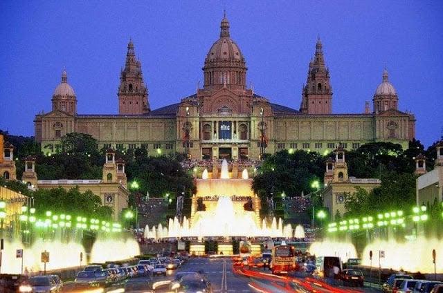 10 lugares para disfrutar la noche en Barcelona